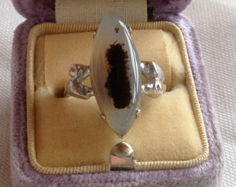 1950s Sterling Silver and Marquis Shaped Agate Ladies Ring