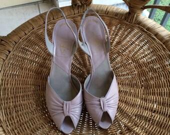 Vintage 70s QC lavender leather peep toe sandal