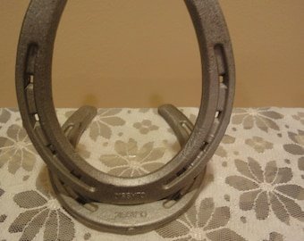 Vintage Double Horseshoe Stand/Diamond/Classic/Metal/Industrial/Good Luck