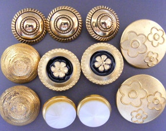 Metal Buttons Vintage Brass Large Flower Enamel Moonglow Shank Domed Mixed Lot of 11