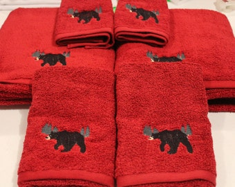 Bear In The Woods Embroidered Fluffy Burguady Bathtowel Set