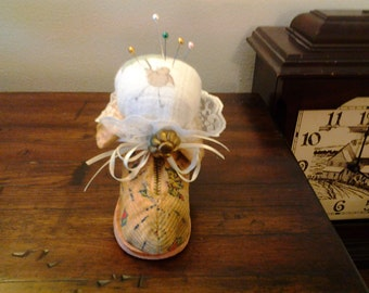 Pincushion,  vintage baby shoe pincushion, primitive, baby bootie decoration