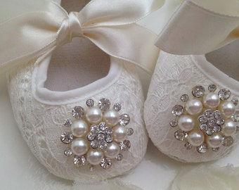 Ivory / off white lace baby shoes--newborn ivory christening, baptism baby shoes--ivory/cream lace crib shoes--
