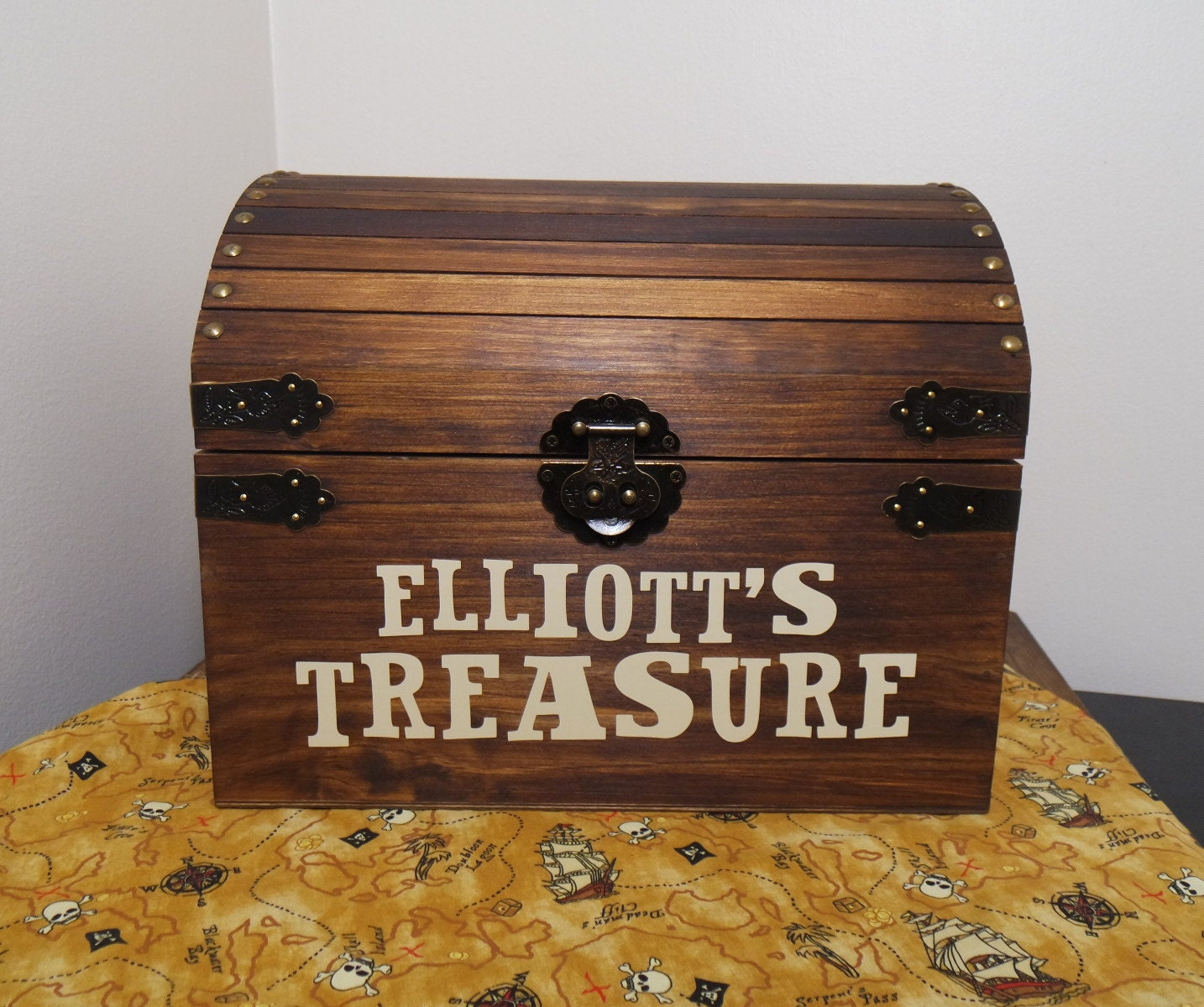 children 39 s stained personalized wood treasure chest. Black Bedroom Furniture Sets. Home Design Ideas