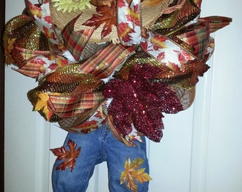 Cute scarecrow wreath!