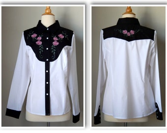 Womens Vintage Country Western Shirt with Pearl Snaps from The Grand Ole Opry of Nashville Size Medium