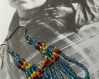 Beautiful Native American Seed Beaded earrings.