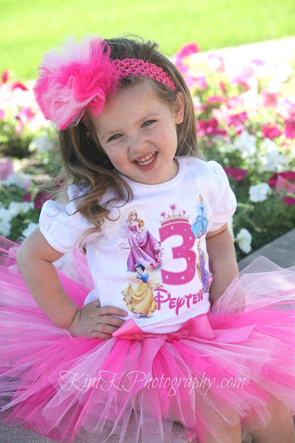 Find and save ideas about Disney outfits on Pinterest. | See more ideas about Disney clothes, Disney fashion and Disney style.