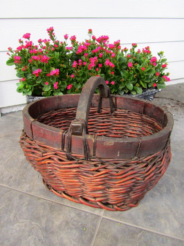 Woven Gathering Basket : Large vintage woven gathering basket picnic egg