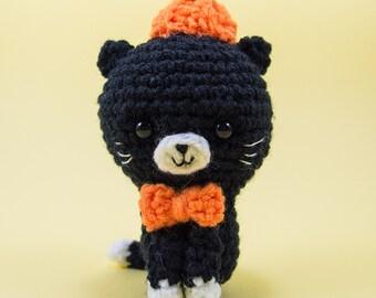 Crochet Amigurumi - Pumpkin the Cat  --  Crochet cat / amigurumi cat for home decor during Halloween
