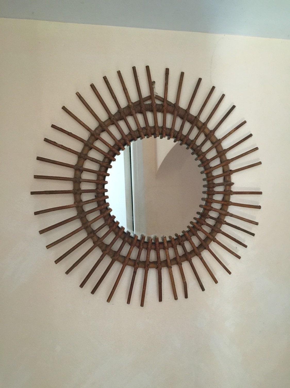 Superbe miroir en rotin forme soleil ann es 60 70 s for Miroir annee 70