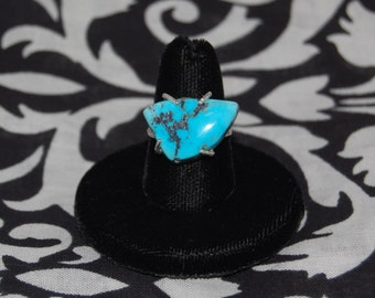 Turquoise Ring: Prong-set in Chunky Sterling Silver (Globe, AZ)