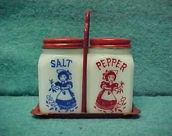 Tipp City Lady With Carrots Shakers Salt Pepper Set With Rack