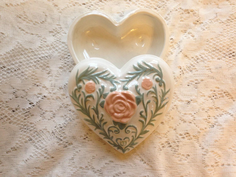 Ceramic heart jewerly dish heart shaped trinket by not2shabbee for Heart shaped jewelry dish