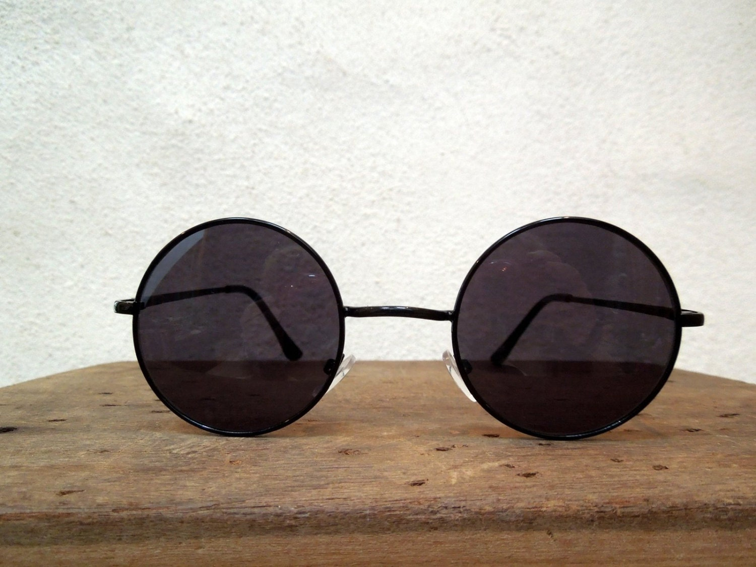 Eyeglass Frames Little Rock : JOHN LENNON with black glasses and frame, teashades ...