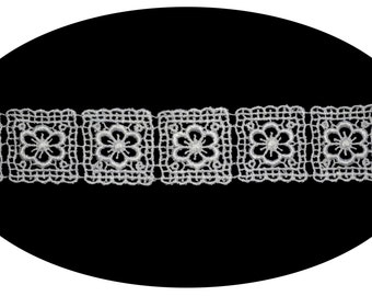 1.25 Inches Wide -- Cuttable Floral Pattern Design Squares Venice Lace Trim Scrapbooking Sewing Notions Craft Supplies BB018
