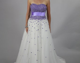 Sweetheart neckline, backless litte purple wedding dress
