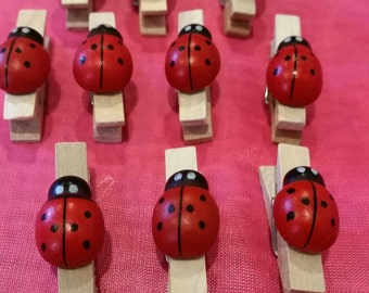 ladybugs,red ladybugs,small ladybugs,small red ladybugs,wood clothespin,ladybug decoration,ladybug baby shower,ladybug baby shower pins,pins