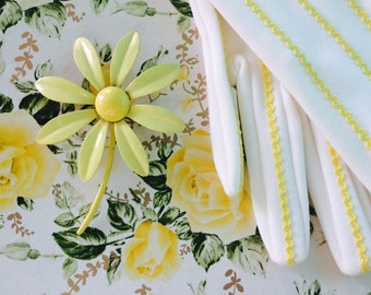 1960s All-Yellow Daisy Enamel Flower Power Brooch