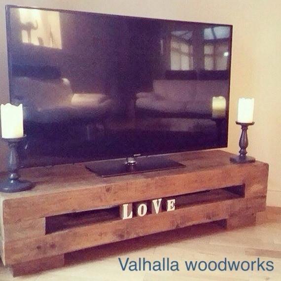 poutre rustique tv stand console table par. Black Bedroom Furniture Sets. Home Design Ideas