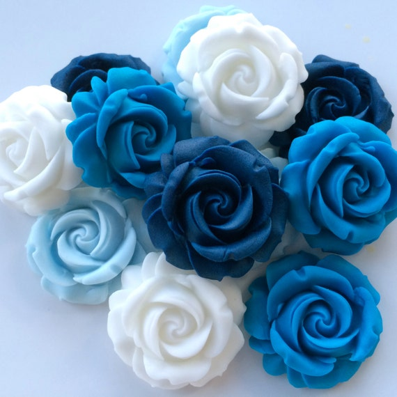 blue white roses essbare zucker f gen sie blumen von cakecandyco. Black Bedroom Furniture Sets. Home Design Ideas