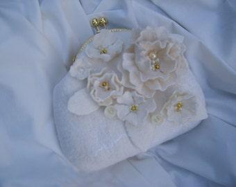 Felted wool purse-Bride bag-Felted bag-White Felted purse-Felt handbag-Art handbag-Felt bag