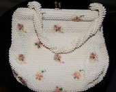 Vintage CORD BEAD white beaded purse with flower motif - 1950's -
