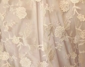 """New! 1 Yard White Background White 3D Flower Embroidery Lace 52"""" Wide"""