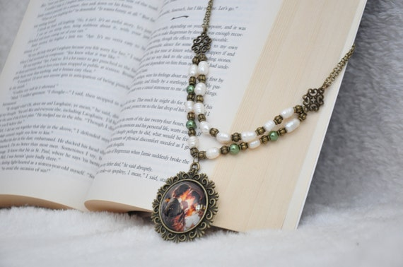 Outlander inspired necklace with glass pendant and glass pearl bead accents
