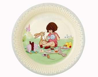 Retro Belle & Boo party disposable plates. Pack of 8. FREE P+P
