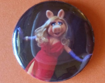 "Miss Piggy  The Muppet Show  1"" pin back button"