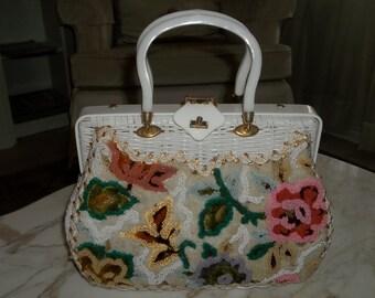 SALE Vintage White Wicker Lucite Box Purse, White Handbag with beaded floral, 50/60 Purse/Handbag, Summer Purse