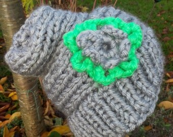 Super separate ladies witch hat. Grey with bright green. Halloween/Winter/hot/sting//knitted/crochet flower Grove Seems Hat/Witch