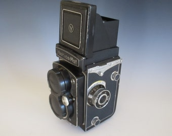 Yashica MAT 1950's Twin Reflex Camera COPAL MXV 80mm f/3.5