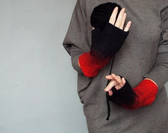 Felted fingerless mittens. Black and red wool gloves.