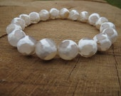 OFF-WHITE  Dzi Beads Tibeatan Agate Bracelet, Creamy White Agate Bracelet, Spiritual Healing Stone Bracelet, Yoga Meditation Bracelet #etsy