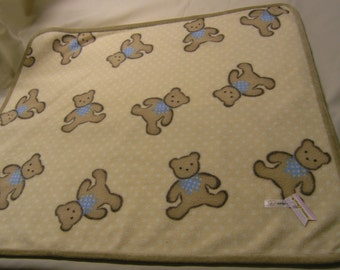 Fleece baby blanket with teddy bear design