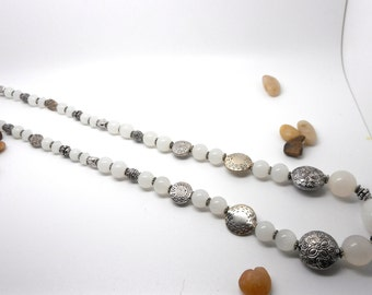 Necklace tone-on-tone silver and white pearls