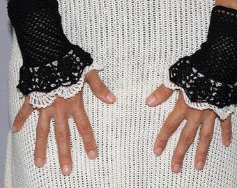 Lace wrists