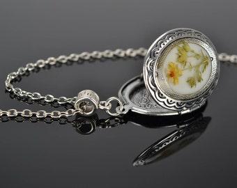 Resin Locket, Locket Necklace, Antique Locket, Photo Locket, Vintage Locket, Locket Pendant, Locket Gift, Unique Locket, Custom Locket