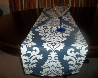White and navy Berlin table runners