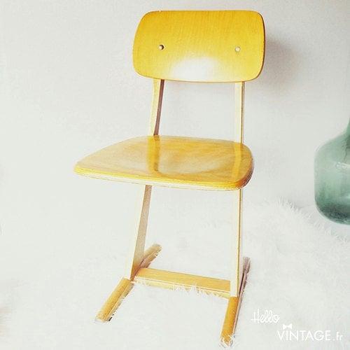 Chaise enfant vintage casala haute juice for Chaise medaillon enfant