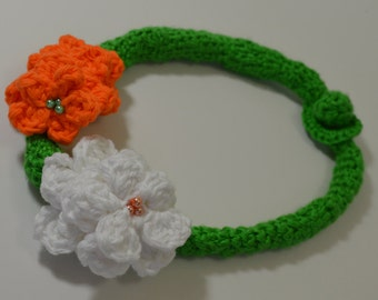 Green Crochet necklace, Floral white Orange.