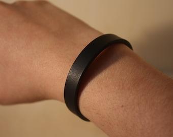 Black grassed leather bracelet-Braccialetto in cuoio nero ingrassato