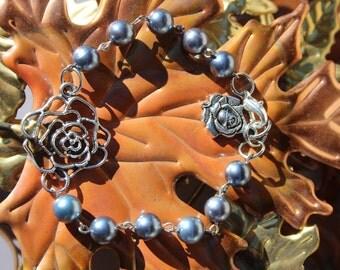 Rose Bracelet With Vintage Gray Pearls