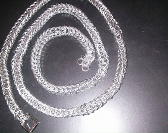 Handcrafted, box weave chain belt