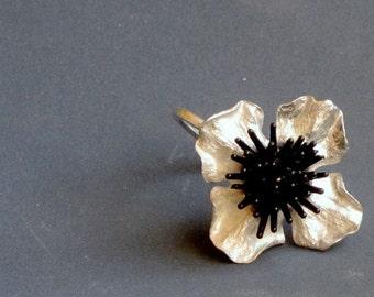 Silver organic flower ring,  adjustebal ring by juli711. flower Ring, silver adjustebal ring. floral silver ring by juli711