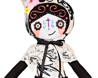 "Catrina doll / Day of the dead / Mexican / Handmade / Stuffed toy / Embroidered / Halloween / Cute / 15"" - 38cm cloth doll"