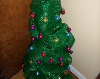 "24"" Deco mesh Christmas tree wreath"