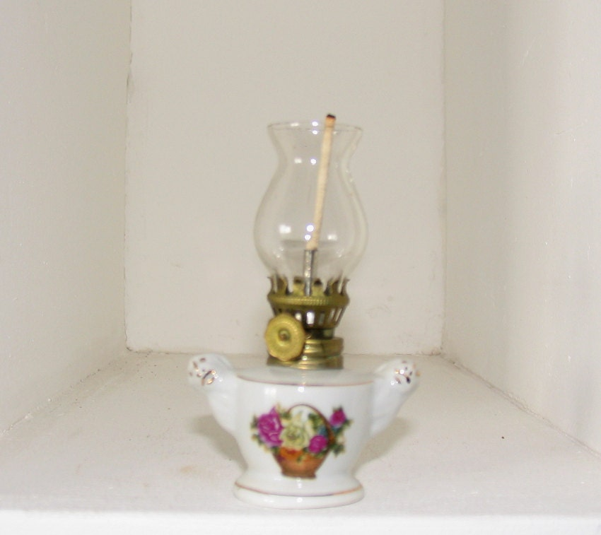 vintage llampe 1940 keramik lampe mit glasschirm petroleum. Black Bedroom Furniture Sets. Home Design Ideas